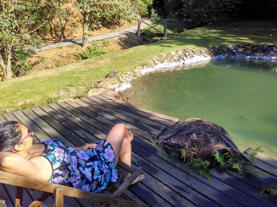 Piscina com água da cachoeira