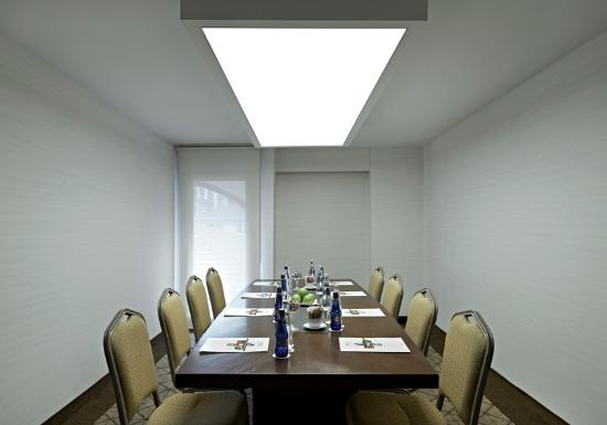 BEST WESTERN PREMIER Senator Hotel: Meeting Room -Marmara