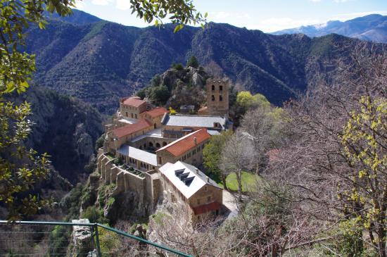 Casteil, Francia: La abadía desde el mirador.