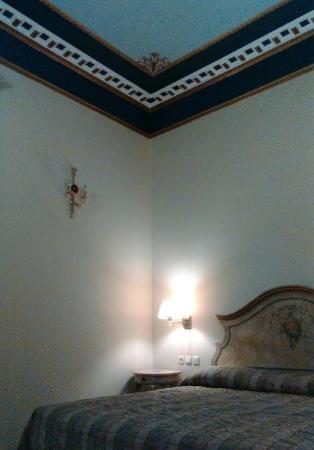 Konstantinos Palaiologos Hotel: Το μονόκλινο δωμάτιο ήταν ευρύχωρο