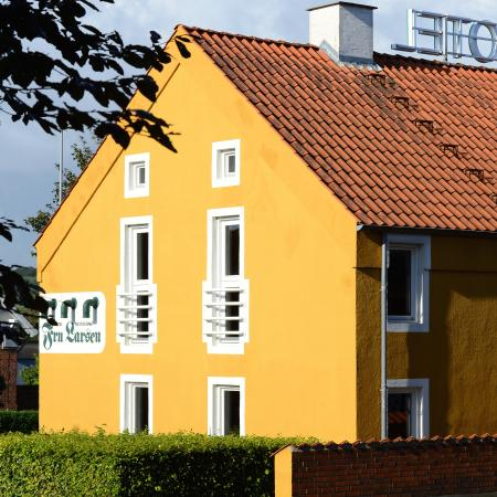 Laurbjerg, Danimarca: Fru Larsen