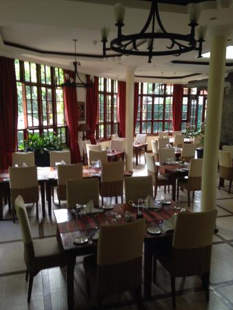 The Baobab Restaurant: Stylish dining room