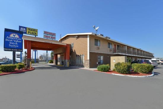 Americas Best Value Inn Bakersfield: Exterior
