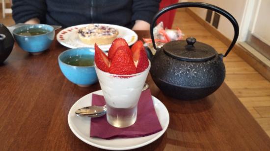 Antony, Francja: A test thé ..VERY delicious