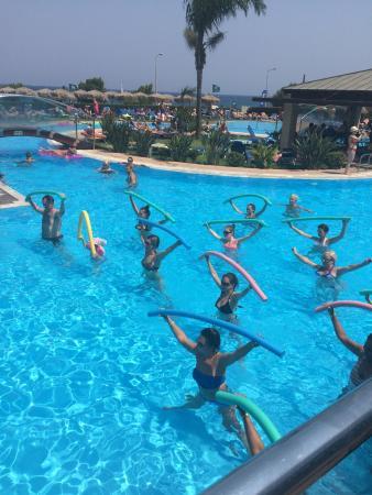 Rhodes photo de oceanis hotel rhodes ville tripadvisor for Piscine oceanis