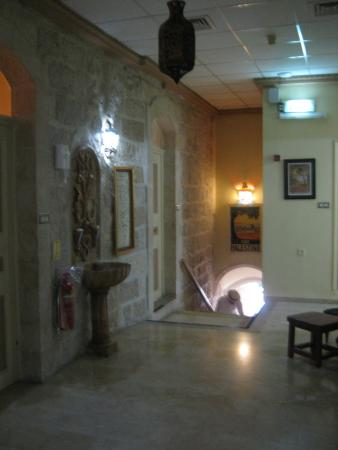 Azzahra Hotel & Restaurant: Outside our room