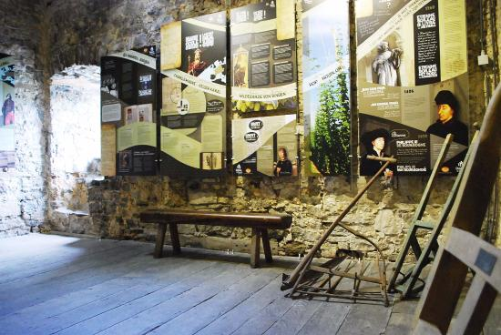 Musee de la Biere : Musée de la Bière et du Peket du Château de l'Avouerie d'Anthisnes 2