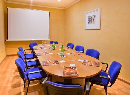 Sala de reuniones picture of senator barcelona spa hotel for Sala de reuniones