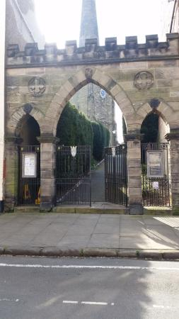 Castle Donington, UK: Entrance to Church area