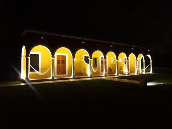 Tixkokob, المكسيك: le soir