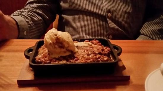 Дель-Мар, Калифорния: Apple crisp golden raisin gelato, better than grandma made