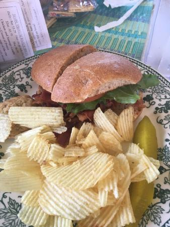 Two Sisters Pecan House: BLT Sandwich