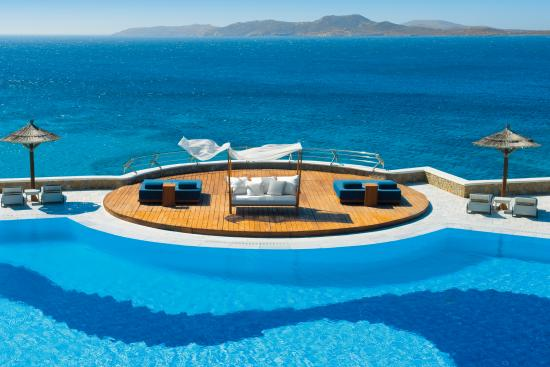 Mykonos Grand Hotel & Resort: Pool Area