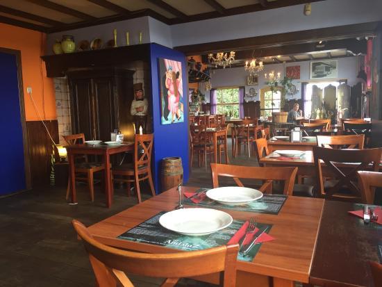viskroketjes, Garnalen uit knoflookolie, biefstukreepjes - Foto van ...: https://www.tripadvisor.nl/LocationPhotoDirectLink-g3679709...