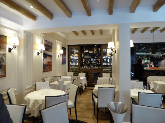 Courbevoie, Francja: intérieur confortable