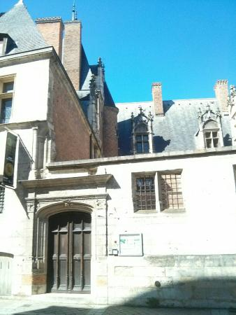 Musee du Berry: IMG_20160410_124012_1_large.jpg