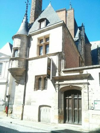 Musee du Berry: IMG_20160410_124012_large.jpg