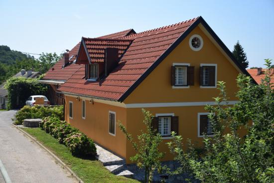 Guest House Skedenj Kalska Domacija