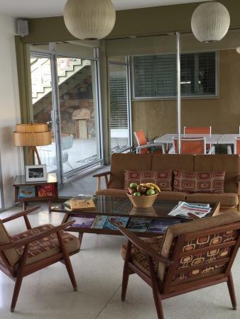 mid century modern decor in lobby between entrance and pool area rh tripadvisor com au