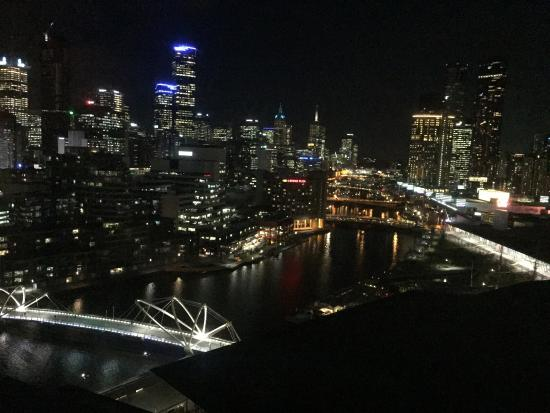 Pan Pacific Melbourne: View of Melbourne from Hilton South Wharf