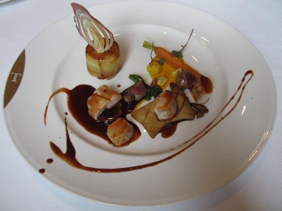 Thorntons Restaurant: Secondo: maiale con carotine e tortno di cipolle