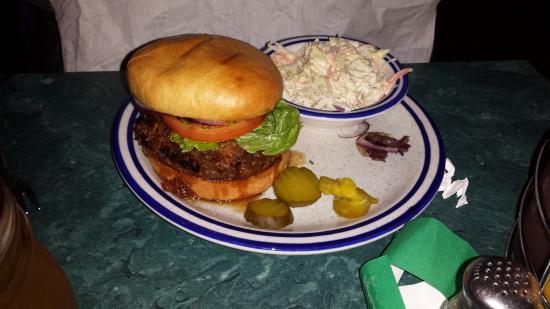 Monroe, WI: Maple bacon jam burger w/ slaw