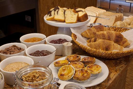 كال جيست هاوس: Breakfast