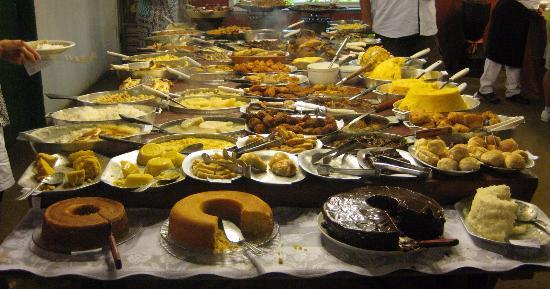 Bodega do Sertão: Qualidade e variedade da culinária nordestina. É um tradicional café da manhã local. Comida muto