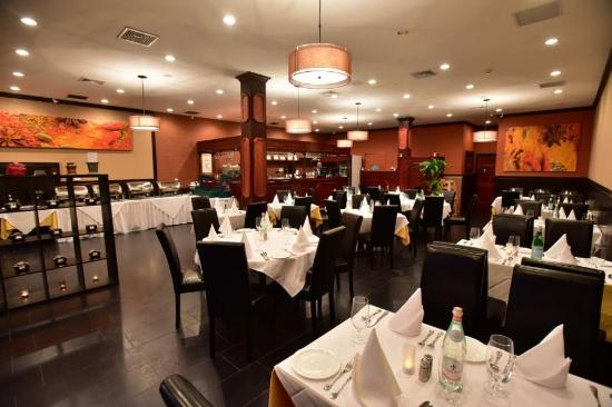 Tenafly, NJ: dining room