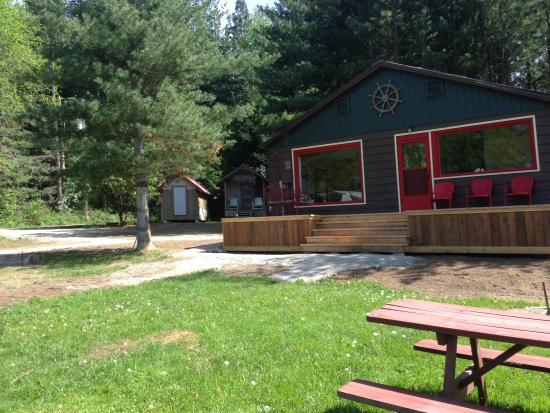 Sagle, ID: Boat House Cabins