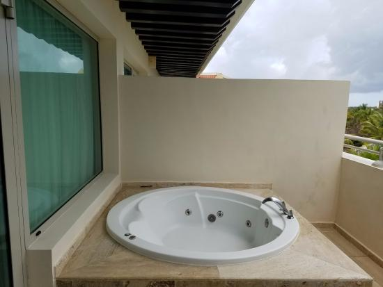 hot tub on the balcony picture of the reserve at. Black Bedroom Furniture Sets. Home Design Ideas