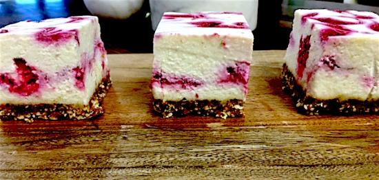 Robinvale, Australia: A little raw vegan raspberry slice