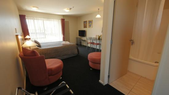 Roma on Riccarton Motel: Deluxe Studio with spa bath