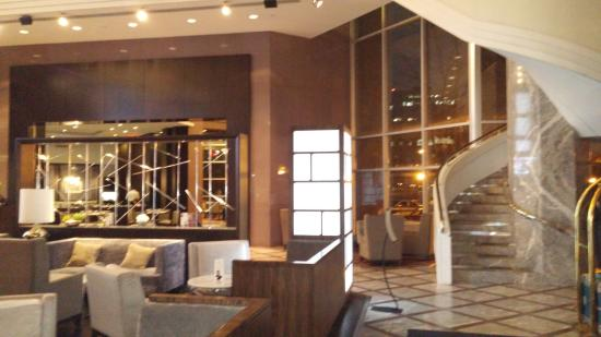Hilton Toronto Markham Suites Conference Centre Spa Hotel Lobby And