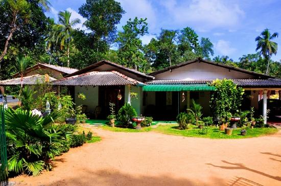 Lal Homestay