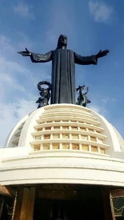 Monumento a Cristo Rey: Snapchat-5139567688659752322_large.jpg