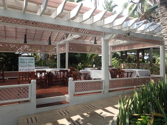 Sans Souci Samui: Dining Area. Beach is to the left.