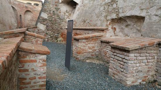 Brno, Tjekkiet: Ruins in the Casemates at Spilberk Castle