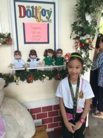 Pasig, Philippinen: LBASS school visits Doll Joy Museum