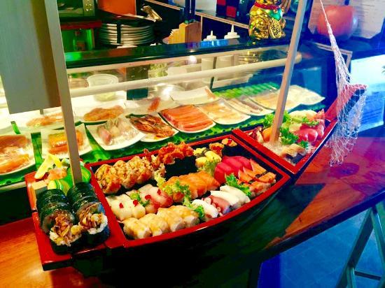 sushi boat picture of muse thai bistro manchester tripadvisor rh tripadvisor com