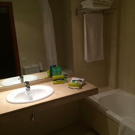 see marble counter corner right next to tub picture of hotel rh tripadvisor co za