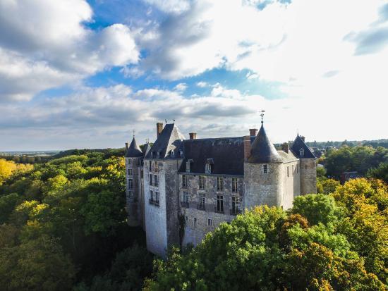 Chateau de Saint-Brisson-sur-Loire