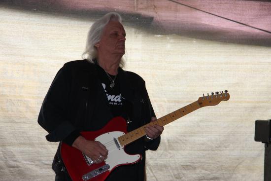 Laidley, Australia: Roger -Rhythm Guitarist