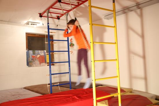 Klettergerüst Zimmer : Kinder indoor klettergerüst bild von goldener hahn baiersbronn