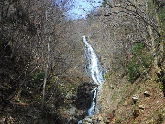 Wakasa-cho, Japan: 高さ65mの布滝