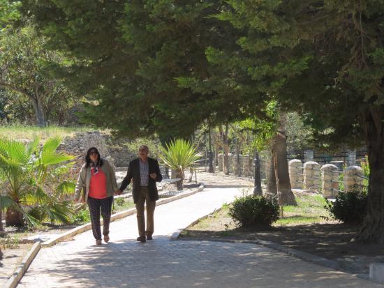 Velez de Benaudalla, Spanyol: walkway to the restaurant
