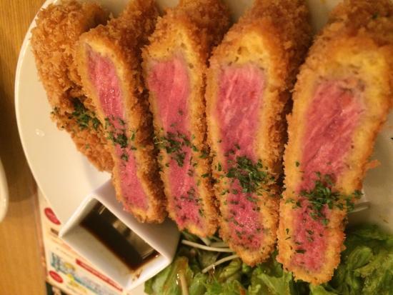 Grill & Aligot Zip : 雰囲気も盛り付けもおしゃれで良い。 肉は、まあまあのレベルだが、 パテ ド カンパーニュは、格別に美味い!あとパンの上にアイスを載せるこの横浜フレンチトースト、絶妙!