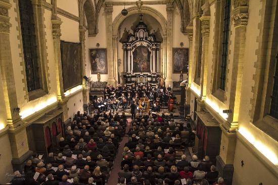 Bilzen, Bélgica: Concert in de kerk