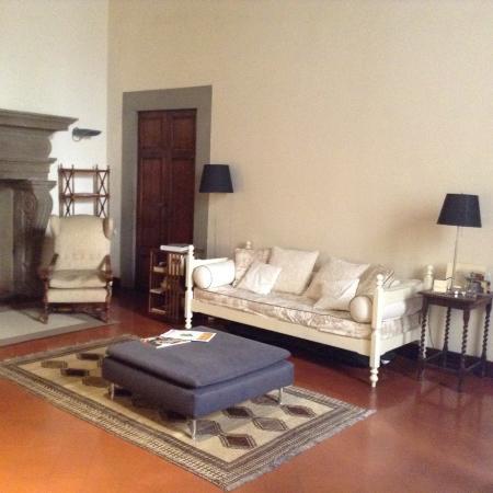 Residenza d'Epoca Via Santo Spirito 6: The common room-peaceful