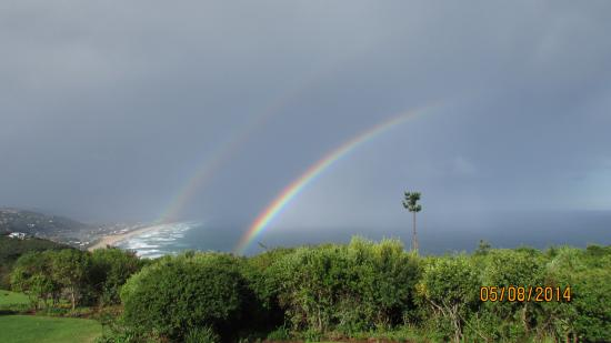 Hilltop Country Lodge: Rainbow view from Hilltop